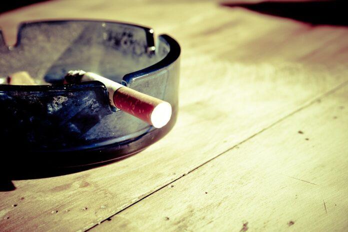 eliminare la puzza di fumo