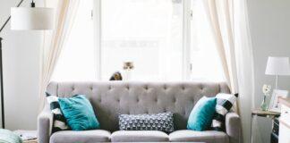 divano in pelle o in tessuto