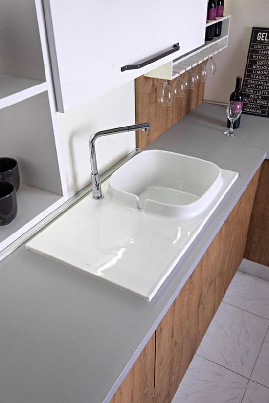 UP, la prima collezione di lavelli da cucina di Scarabeo ...