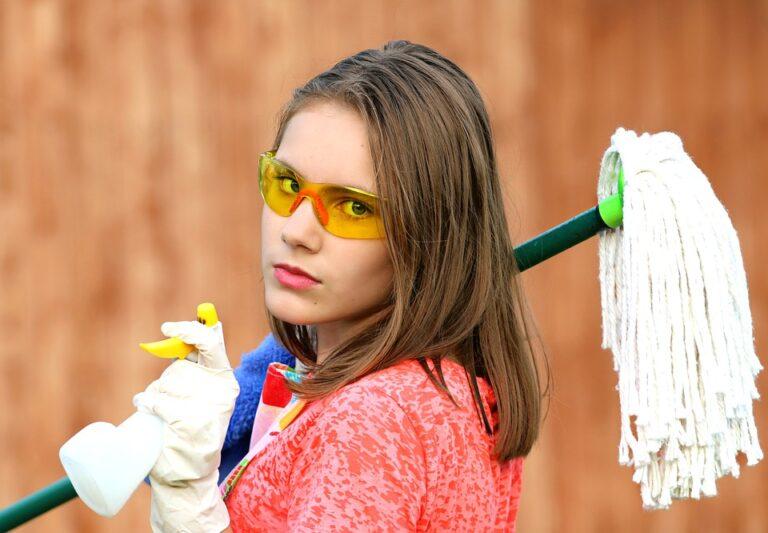 Vuoi preparare dei disinfettanti naturali per il benessere della tua famiglia? Segui i nostri consigli!
